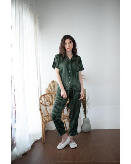 Aurel Green Woman