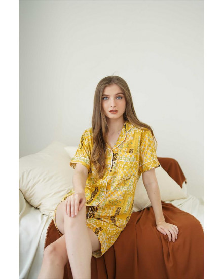 Anya Yellow Short