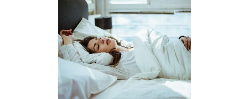 Mitos atau Fakta bahwa Kualitas Tidur Terbaikmu Dipengaruhi dengan Baju yang Kamu Pakai?